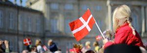 ertvgfmn43tbhc4ixhrkegfrehdbieybhfubejfowjh 300x109 فرهنگ و آداب و رسوم مردم دانمارک